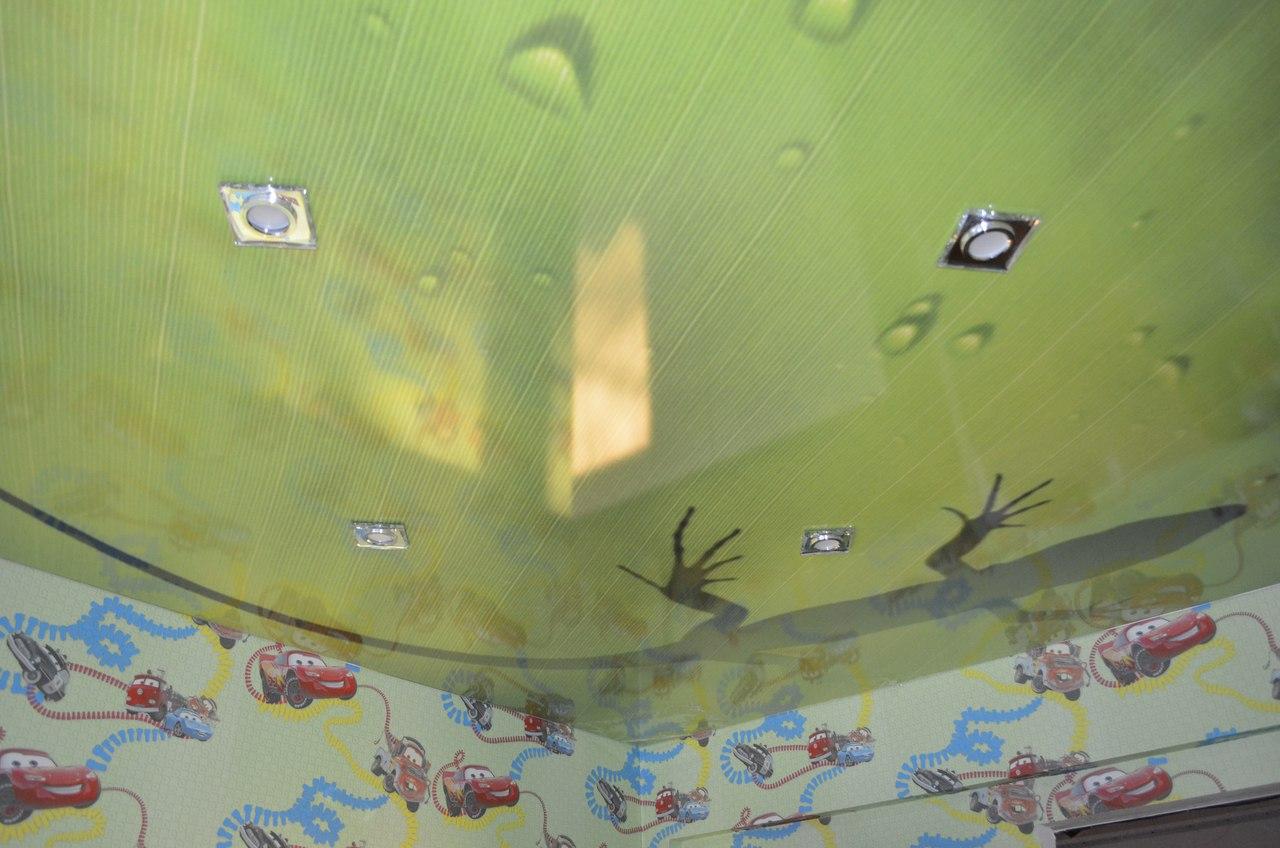 Фотопечать в детской комнате на глянцевой фактуре