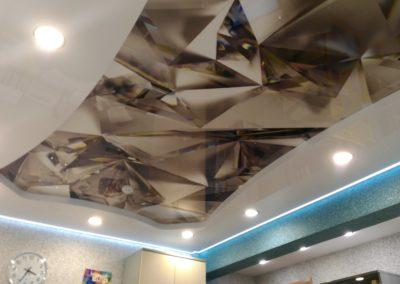 Двухуровневый глянцевый парящий натяжной потолок с фотопечатью